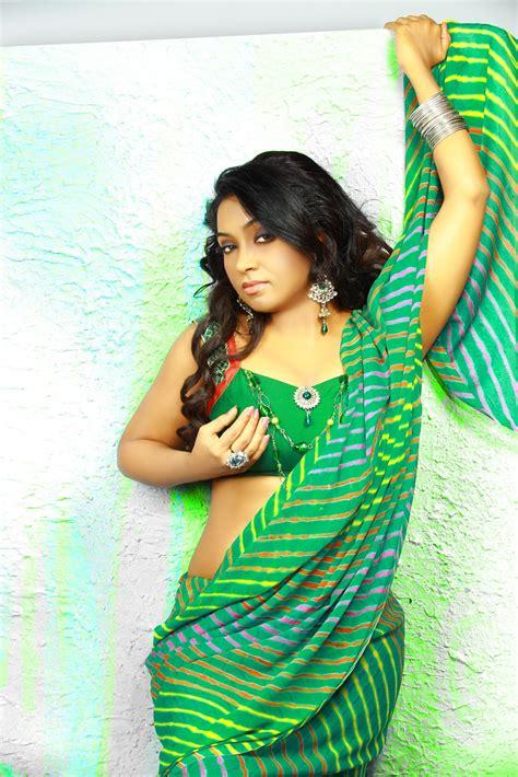 Greenish yellow and gold coloured. Vaishali Spicy Green Saree Stills |Beautiful Indian ...