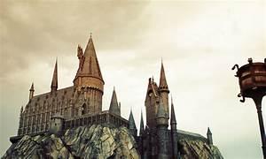 Harry Potter Castle Wallpaper - WallpaperSafari