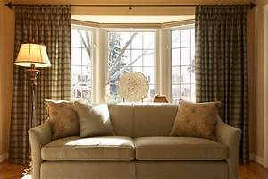 20 beautiful living room designs with bay windows for Bay window curtains for living room