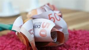 Rose Aus Geld Falten : geldscheine falten rose geldgeschenk zur hochzeit diy ~ Lizthompson.info Haus und Dekorationen