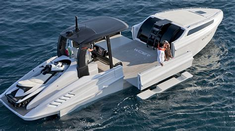 Yats Boats by You Ll Never Run Out Of Deck Space On This Expanding Yacht