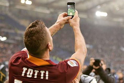 francesco totti selfie celebration   highlight