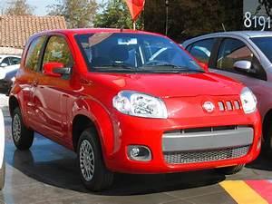 File Fiat Uno 1 4 Vivace 2014  14411914451  Jpg
