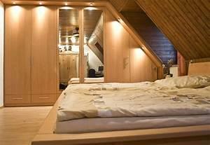 Schlafzimmer Dachschräge Gestalten : schlafzimmerschrank f r die dachschr gen nach ma ~ Eleganceandgraceweddings.com Haus und Dekorationen