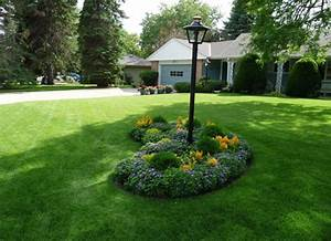 Simple front garden design ideas landscaping ideas for for Simple front gardens