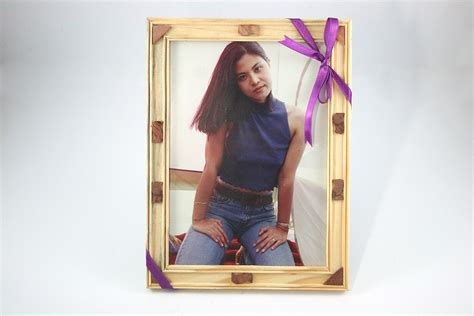 How To Apply A Ribbon To A Picture Frame