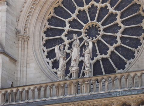 HD Photos Of The Virgin With Child Statue At Notre Dame