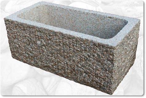 Steintrog Aus Granit Für Den Garten