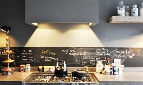 cuisine sans hotte dans la cuisine la crédence fait la différence