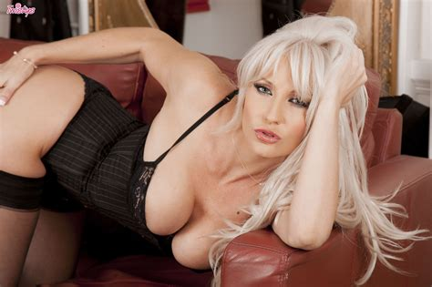 Platinum Blonde Jennifer Jade Looks Delicious Spreading Legs In Black Nylons