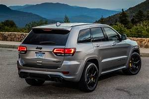 Jeep Cherokee 2018 : 2018 jeep grand cherokee trackhawk first drive fastest suv carries a jeep badge motor trend ~ Medecine-chirurgie-esthetiques.com Avis de Voitures