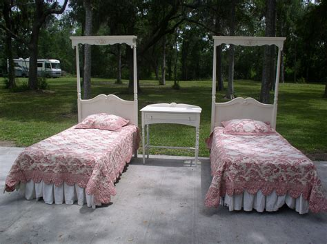 How To Create Unique Girls Twin Canopy Bed