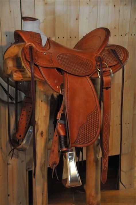 saddle horse cowboy ranch saddles custom tack leather gear makers western cowboys equipment dennis wild hensley saddlery horses bob carving