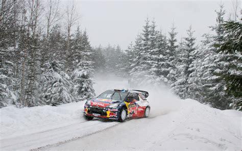 雪山カーレース Race Car In The Snow