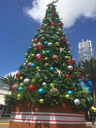 outlet christmas fun picture of harbour town outlet
