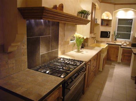 cuisines provencales fabricant cuisiniste pont de crau cuisine cagnarde chêne massif