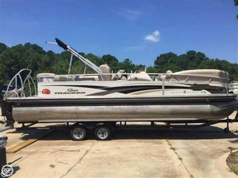 Best Pontoon Boats For Sale by Best 25 Tritoon Boats For Sale Ideas On