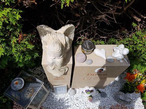 grabsteine für urnengräber preise was kostet ein grabstein mit einfassung 2019