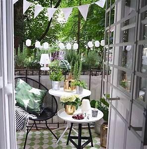 Balkongestaltung Kleiner Balkon : ideen kleiner balkon ~ Frokenaadalensverden.com Haus und Dekorationen