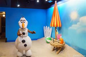PHOTOS - Meet Olaf in the new Celebrity Spotlight at ...