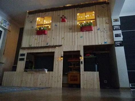 bureau customisé lit cabane kura à 2 étages bidouilles ikea