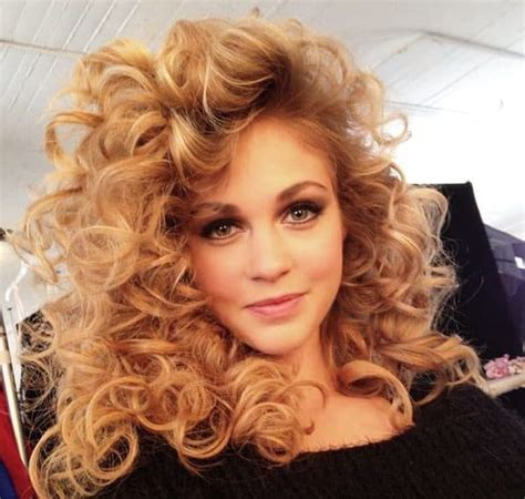 list    popular  hairstyles  women updated
