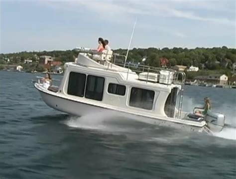 Houseboat Yacht by Adventure Craft S Cabin Boat Aka Mini Yacht