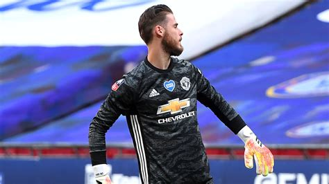 David de gea plays the position goalkeeper, is 30 years old and 192cm tall, weights 76kg. David de Gea's Manchester United nightmare continues as Chelsea claim FA Cup final place ...