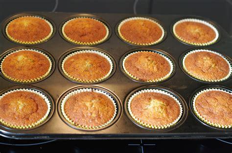 Bananen-haselnuss-muffins