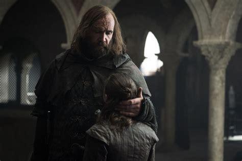 hound saved arya  game  thrones popsugar