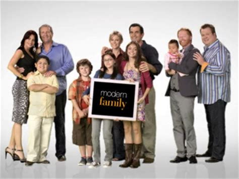 modern family season 4 production delayed amid salary negotiations lawsuit business insider