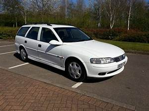 Vauxhall Vectra Estate 2000 Plate Moted Cheap Estate Car