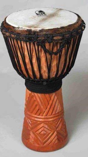 Alat musik tamborin ini berasal dari daerah eropa yang mana pada awalnya dimainkan oleh kelompok musik tentara turki, janissaries. 10+ Alat Musik PAPUA & Cara Memainkannya + Gambar LENGKAP