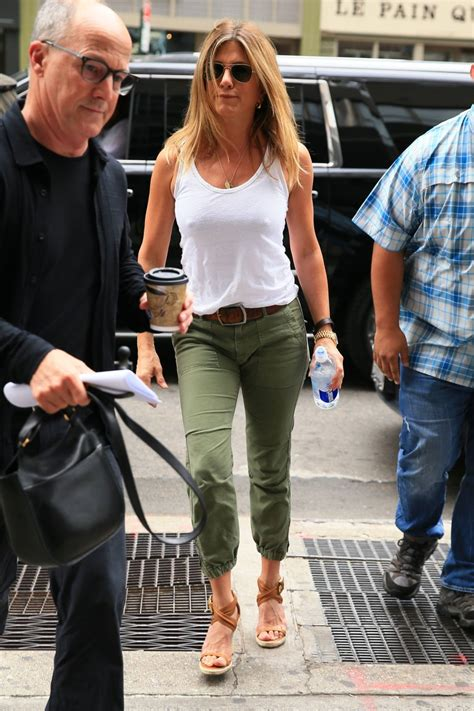 Jennifer Aniston Braless Exposing Pokies Celebjihadltd