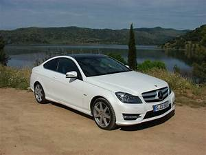 Mercedes Classe C Blanche : essai mercedes classe c coup la berline a enfil le surv t 39 ~ Gottalentnigeria.com Avis de Voitures