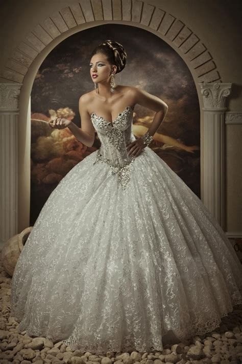 Arabic Bridal Gowns Sweetheart Lace Princess Ball Gown