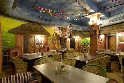 top   theme restaurants  mumbai crazypunditcom