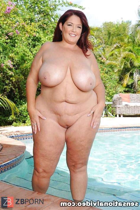 Naked BBWs Outdoor ZB Porn