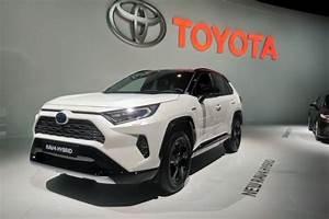 Nouveauté Toyota 2018 : toyota rav4 2018 premi re europ enne au mondial de l 39 auto l 39 argus ~ Medecine-chirurgie-esthetiques.com Avis de Voitures