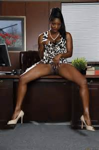 Black Hottie Getting Her Pinky Cunt Stretched Photos
