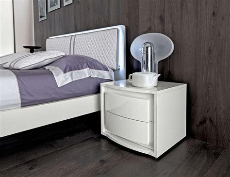 dama bianca white bedroom collection