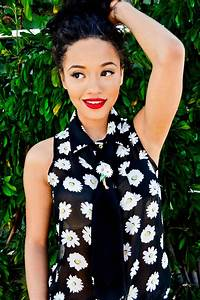 Kiersey ClemonsThe New It GirlBe Black Be Fit