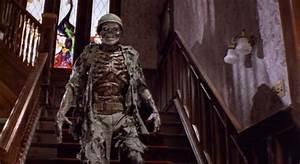 House skeleton Ben house 1986 – 365 Horror Movie
