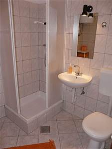 Very small bathroom ideas on a budget home decorating for How to decorate a very small bathroom