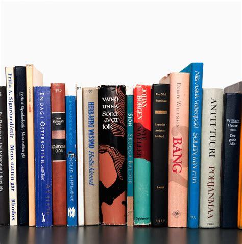 scaffale libri l e book continua ad avanzare ma il libro stato non