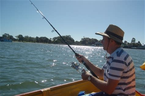 Fishing Boat Hire Bribie Island by Boat Hire And Fishing In Bribie Island