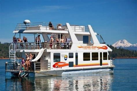 Lake House Rental With Pontoon Boat by Houseboats Luxury Houseboat Rentals In California