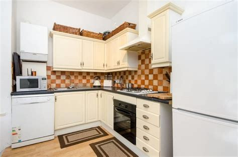 Help Decorating Long Narrow Open Plan Kitchen, Dining And