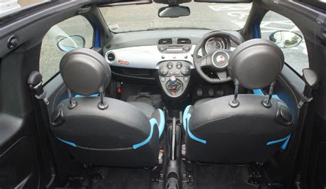 fiat 500 s interieur fiat 500s so pleasingly sporty we didn t want to give it back the register
