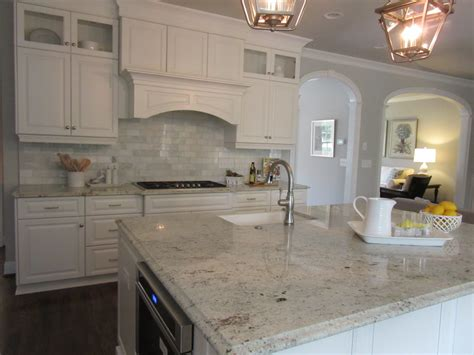backsplash for white kitchen white kitchen wood floors marble backsplash